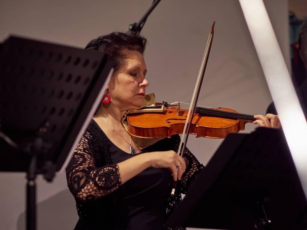 Benedetta Costantini, Violine